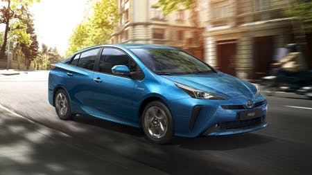 Toyota Prius wins New Car of the Year award!