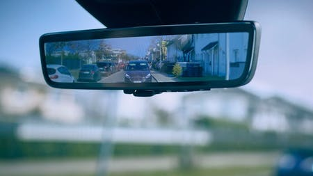 FORD 'SMART MIRROR' ENSURES VAN DRIVERS CAN CLEARLY SEE CYCLISTS,