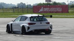 100% ELECTRIC CUPRA E-RACER WITH 680HP HITS TRACK FOR THE FIRST TIME