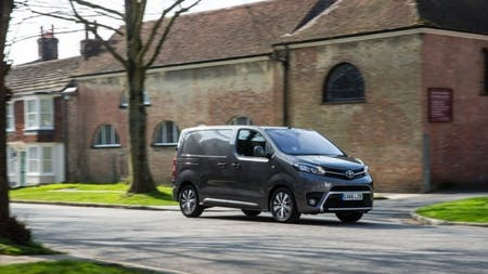 Toyota Proace Retains WHAT VAN? Medium Van Award