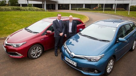 DEFRA Replaces 400 Diesel Cars with British-Built Toyota AURIS Hybrids
