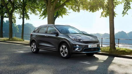 KIA e-Niro Named Electric Car of the Year at DrivingElectric Awards