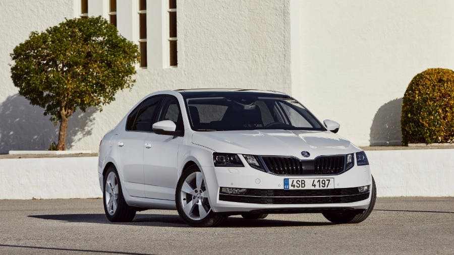 ŠKODA OCTAVIA wins in 'Best Cars' reader poll